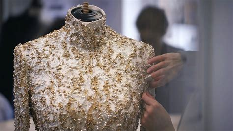 Making-of the CHANEL Fall-Winter 2014/15 Haute Couture