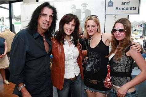 Who is Sheryl Goddard : The Wife of Rockstar Alice Cooper