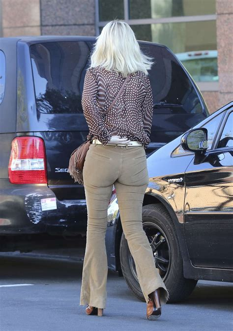 Tori Spelling out and about in Los Angeles -12 – GotCeleb