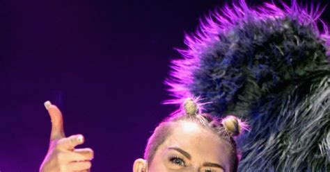 MIley Cyrus explains why she keeps sticking her tongue out